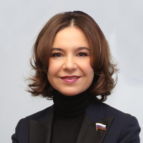Альфия Когогина снабдила медучреждения Агрызского района респираторами